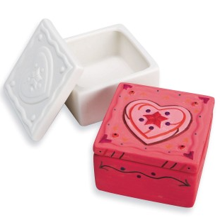 ceramic trinket boxes with heart design